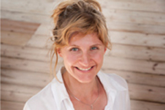 Yoga-Teacher-Beatrice-Williams-AlpenRetreat
