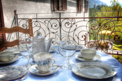 tibet_room_breakfast_alpen_retreat_teaser