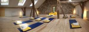 yoga_hall_alpen_retreat_banner